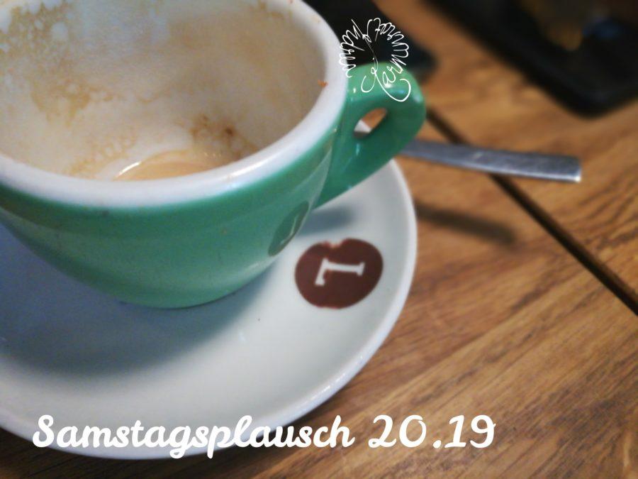 leere grüne Kaffeetasse