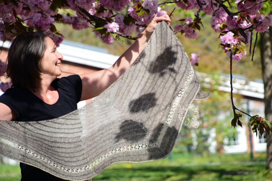 Damona, ein Tuch nach Birgit Freyer