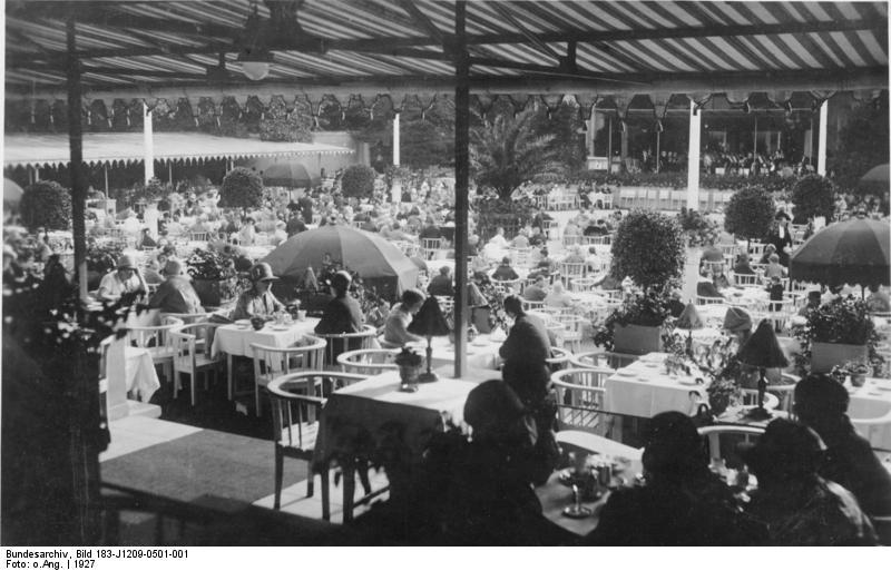 Sommergarten der Kroll-Oper