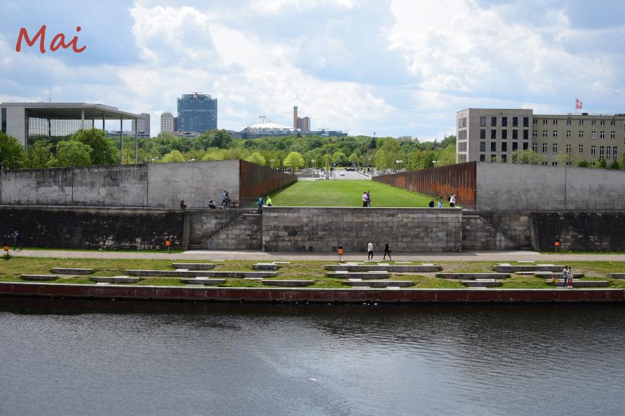 Berliner Reichstagsgebäude {fünfter 12tel Blick 2021}