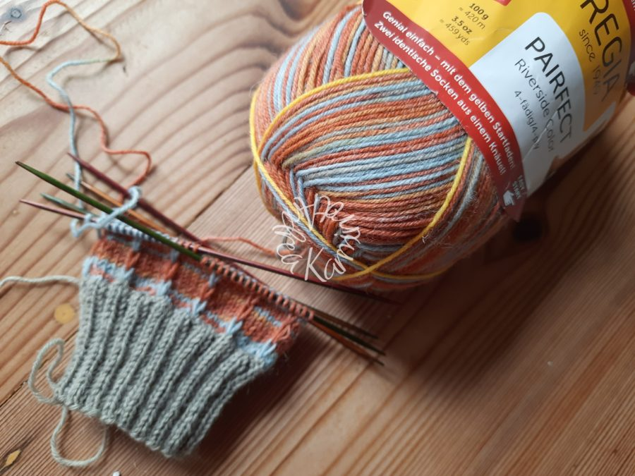 Augustgestricksel Socken